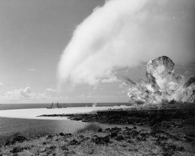 500-tons TNT explosion during the Operation Sailor Hat (1965)